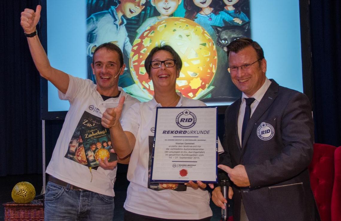 Stefan Gemmel und Eva Pfitzner haben offiziell die schnellste Lesereise der Welt gemeistert
