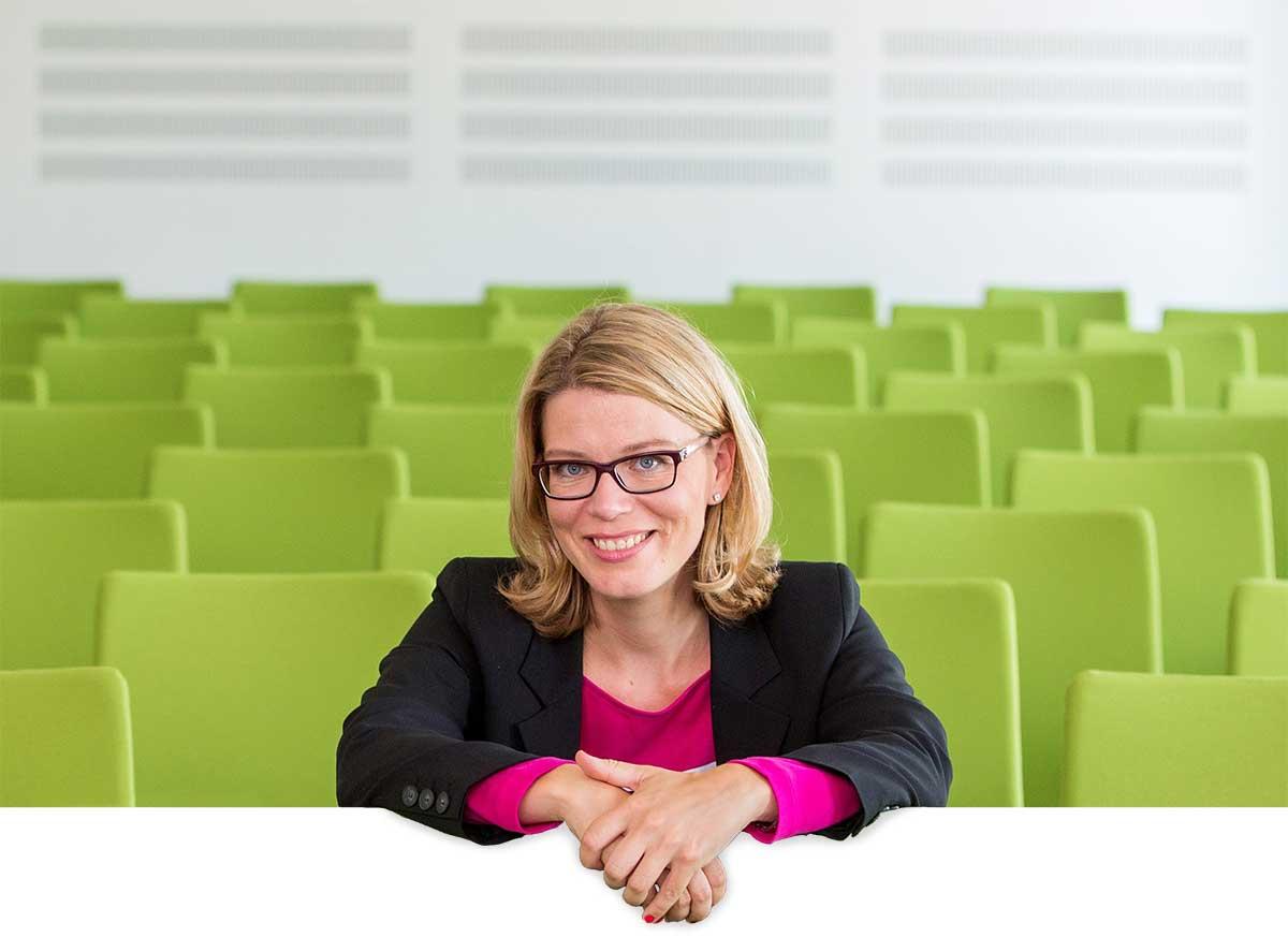 DIE PRESSESTELLE - Regine Hoffmeister